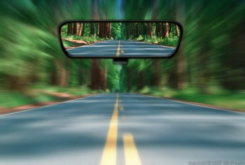 Hindsight-rear-view-future-past-road-mirror_display_image