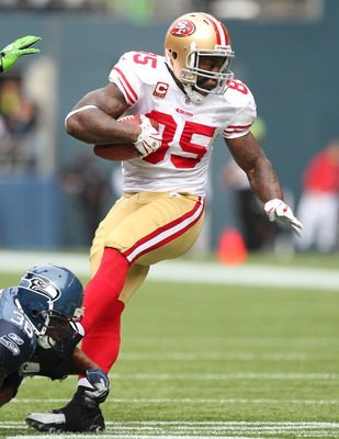 Vernon Davis Led The 49er Receivers Against Seattle