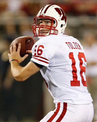 LAS VEGAS - SEPTEMBER 04:  Quarterback Scott Tolzien #16 of the Wisconsin Badgers looks to pass against the UNLV Rebels during their game at Sam Boyd Stadium September 4, 2010 in Las Vegas, Nevada. Wisconsin won 41-21.  (Photo by Ethan Miller/Getty Images