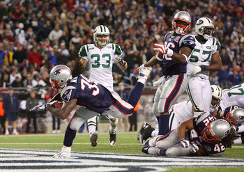 FOXBORO, MA - NOVEMBER 22: Laurence Maroney #39 of the New England Patriots scores a touchdown in the fourth quarter during a game against the New York Jets at Gillette Stadium on November 22, 2009 in Foxboro, Massachusetts. (Photo by Jim Rogash/Getty Ima