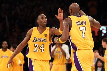 LOS ANGELES, CA - JUNE 17:  Kobe Bryant #24 of the Los Angeles Lakers reacts with teammate Lamar Odom #7 in Game Seven of the 2010 NBA Finals against the Boston Celtics at Staples Center on June 17, 2010 in Los Angeles, California.  NOTE TO USER: User exp