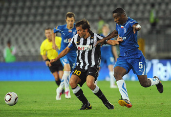 TURIN, ITALY - SEPTEMBER 16:  Alessandro Del Piero of Juventus FC takes on Manuel Arboleda of KKS Lech Poznan during the Uefa Europa League group A match Juventus FC and KKS Lech Poznan at Olimpico Stadium on September 16, 2010 in Turin, Italy.  (Photo by
