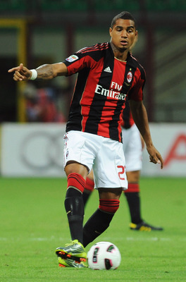 MILAN, ITALY - AUGUST 29:  Kevin Prince Boateng of AC Milan in action during the Serie A match between AC Milan and US Lecce at Stadio Giuseppe Meazza on August 29, 2010 in Milan, Italy.  (Photo by Valerio Pennicino/Getty Images)