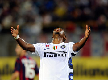 BOLOGNA, ITALY - AUGUST 30:  Samuel Eto'o of FC Internazionale Milano reacts during the Serie A match between Bologna and Inter at Stadio Renato Dall'Ara on August 30, 2010 in Bologna, Italy.  (Photo by Claudio Villa/Getty Images)