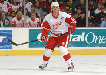 WASHINGTON, DC - DECEMBER 9:  Right wing Brendan Shanahan #14 of the Detriot Red Wings looks for a pass against the Washington Capitals during the NHL game on December 9, 2005 at MCI Center in Washington D.C.  Red Wings won 4-3. (Photo by Mitchell Layton/