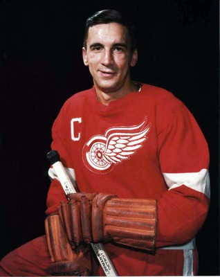 Ted-lindsay-28-apr-10_display_image