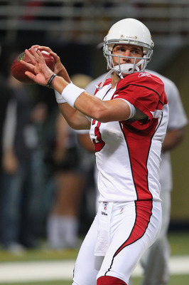ST. LOUIS - SEPTEMBER 12: Derek Anderson #3 of the Arizona Cardinals warms up prior to the NFL season opener against the St. Louis Rams at the Edward Jones Dome on September 12, 2010 in St. Louis, Missouri.  (Photo by Dilip Vishwanat/Getty Images)