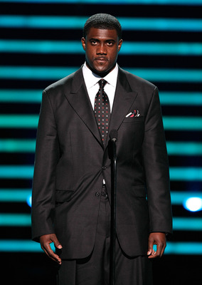LOS ANGELES, CA - JULY 16:  Former NFL player Kevin Everett accepts the Jimmy V Award for Perserverance onstage at the 2008 ESPY Awards held at NOKIA Theatre L.A. LIVE on July 16, 2008 in Los Angeles, California.  The 2008 ESPYs will air on Sunday, July 2