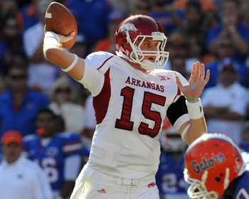 GAINESVILLE, FL - OCTOBER 17: Quarterback Ryan Mallett #15 of the Arkansas Razorbacks sets to pass against the Florida Gators October 17, 2009 at Ben Hill Griffin Stadium in Gainesville, Florida.  (Photo by Al Messerschmidt/Getty Images)