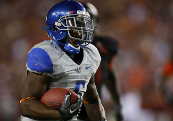 LANDOVER, MD - SEPTEMBER 06: Running back D.J. Harper of the Boise State Broncos runs with the ball against the Virginia Tech Hokies at FedExField on September 6, 2010 in Landover, Maryland.  (Photo by Geoff Burke/Getty Images)