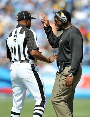 NASHVILLE, TN - SEPTEMBER 19:  Coach Mike Tomlin of the Pittsburgh Steelers argues with an official during a game against the Tennessee Titans at LP Field on September 19, 2010 in Nashville, Tennessee.  (Photo by Grant Halverson/Getty Images)