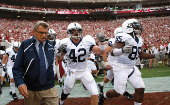 TUSCALOOSA, AL - SEPTEMBER 11:  Head coach Joe Paterno of the Penn State Nittany Lions against the Alabama Crimson Tide at Bryant-Denny Stadium on September 11, 2010 in Tuscaloosa, Alabama.  (Photo by Kevin C. Cox/Getty Images)