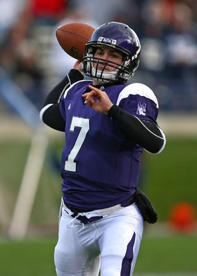 EVANSTON, IL - OCTOBER 31: Dan Persa #7 of the Northwestern Wildcats throws a pass against the Penn State Nittany Lions at Ryan Field on October 31, 2009 in Evanston, Illinois. Penn State defeated Northwestern 34-13. (Photo by Jonathan Daniel/Getty Images