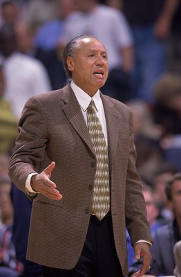 2 Nov 1999: Lenny Wilkens of the Atlanta Hawks yells from the sidelines during a game against the Washington Wizards at the MCI Center in Washington, D.C. The Wizards defeated the Hawks 94-87.