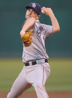OAKLAND, CA - AUGUST 19:  Andy Sonnastine #21 of the Tampa Bay Rays pitches against the Oakland Athletics during an MLB game at the Oakland-Alameda County Coliseum on August 19, 2010 in Oakland, California.  (Photo by Jed Jacobsohn/Getty Images)