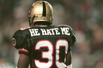 3 Feb 2001:  Rod 'He Hate Me' Smart #30 of the Las Vegas Outlaws in action against the New York/New Jersey Hitmen at Sam Boyd Stadium in Las Vegas, Nevada. The Outlaws won 19-0. Mandatory Credit: Todd Warshaw/ALLSPORT