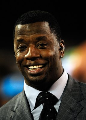 ORLANDO, FL - OCTOBER 22:  Kordell Stewart annouces the play for Versus during the game between the California Redwoods and the Florida Tuskers at the Florida Citrus Bowl on October 22, 2009 in Orlando, Florida.  (Photo by Sam Greenwood/Getty Images)