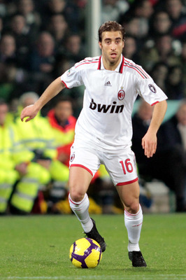 FLORENCE, ITALY - FEBRUARY 24:  Mathieu Flamini of AC Milan in action during the Serie A match between ACF Fiorentina and AC Milan at Stadio Artemio Franchi on February 24, 2010 in Florence, Italy.  (Photo by Gabriele Maltinti/Getty Images)