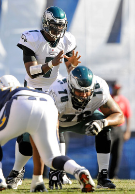 SAN DIEGO - NOVEMBER 15:  Michael Vick #7 quarterback of the Philadelphia Eagles takes a snap against the San Diego Chargers during the NFL football game at Qualcomm Stadium on November 15, 2009 in San Diego, California.  (Photo by Kevork Djansezian/Getty