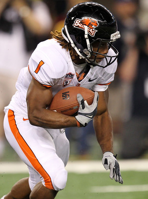 ARLINGTON, TX - SEPTEMBER 04:  Running back Jacquizz Rodgers #1 of the Oregon State Beavers at Cowboys Stadium on September 4, 2010 in Arlington, Texas.  (Photo by Ronald Martinez/Getty Images)