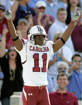 CHAPEL HILL, NC - OCTOBER 13:  Receiver Kenny McKinley #11 of the South Carolina Gamecocks celebrates after catching a touchdown pass against the North Carolina Tar Heels in the first quarter at Kenan Stadium October 13, 2007 in Chapel Hill, North Carolin