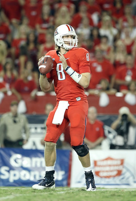 Nick Foles lead Arizona to a huge win over 9th ranked Iowa