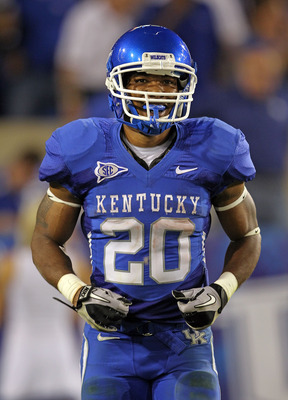 LEXINGTON, KY - SEPTEMBER 18:  Derrick Locke #20 of the Kentucky Wildcats celebrates after running for a touchdown during the game against the Akron Zips at Commonwealth Stadium on September 18, 2010 in Lexington, Kentucky.  (Photo by Andy Lyons/Getty Ima