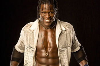 R-truth-wwe-superstar-1_display_image