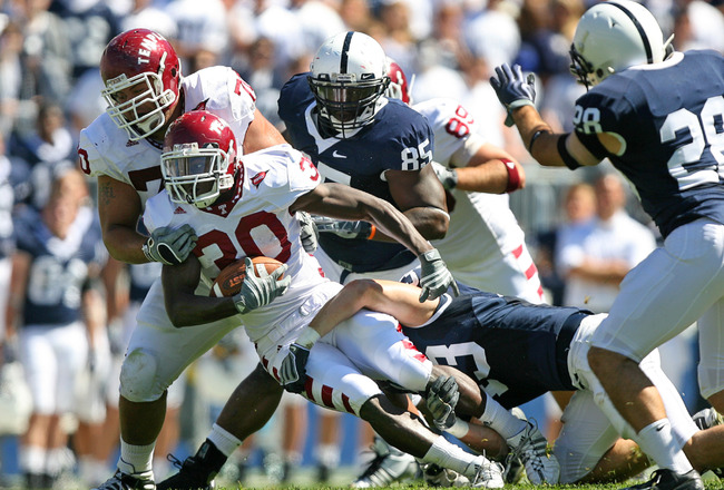 STATE COLLEGE, PA - SEPTEMBER 19: Running back Bernard Pierce #30 of the Temple Owls carries the ball during a game against the Penn State Nittany Lions on September 19, 2009 at Beaver Stadium in State College, Pennsylvania. (Photo by Hunter Martin/Getty