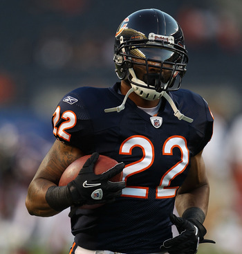 CHICAGO - AUGUST 28: Matt Forte #22 of the Chicago Bears participates in warm-ups before a preseason game against the Arizona Cardinals at Soldier Field on August 28, 2010 in Chicago, Illinois. The Cardinals defeated the Bears 14-9. (Photo by Jonathan Dan