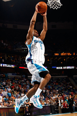 NEW ORLEANS - MARCH 31:  Marcus Thornton #5 of the New Orleans Hornets dunks the ball against the Washington Wizards at New Orleans Arena on March 31, 2010 in New Orleans, Louisiana.  The Wizards defeated the Hornets 96-91.  NOTE TO USER: User expressly a
