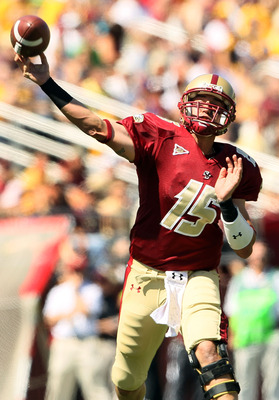 CHESTNUT HILL, MA - SEPTEMBER 04:  Dave Shinskie #15 of the Boston College Eagles passes in the first quarter against the Weber State Wildcats on September 4, 2010 at Alumni Stadium in Chestnut Hill, Massachusetts.  (Photo by Elsa/Getty Images)