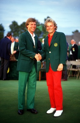 APR 1985:  BERNHARD LANGER OF GERMANY IS PRESENTED WITH THE COVETTED GREEN JACKET BY BEN CRENSHAW OF USA AFTER WINNING THE 1985 US MASTERS AT THE AUGUSTA NATIONAL. Mandatory Credit: David Cannon/ALLSPORT