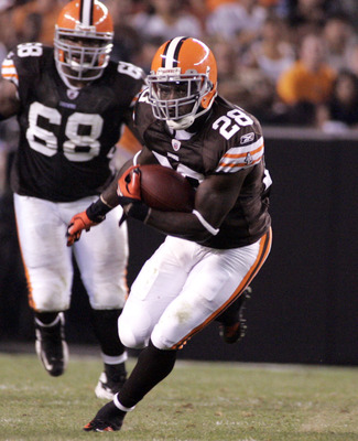 CLEVELAND - SEPTEMBER 2: James Davis #28 of the Cleveland Browns makes a cut up field against the Chicago Bears during the preseason game on September 2, 2010 at Cleveland Browns Stadium in Cleveland, Ohio. The Browns defeated the Bears 13-10. (Photo by J
