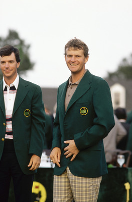 AUGUSTA,GA - APRIL 10: Sandy Lyle of Scotland is presented with the green jacket by Larry Mize of USA after the final round of the Masters, held at The Augusta National Golf Club on April 10, 1988  in Augusta, GA.  (Photo by David Cannon/Getty Images)