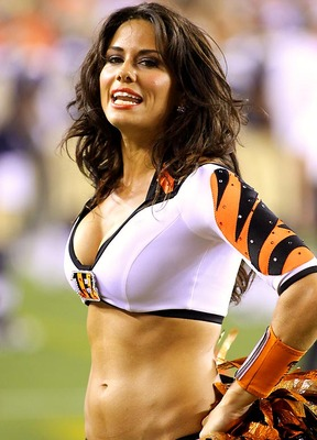 Bengals-ben-gals-cheerleaders01_display_image