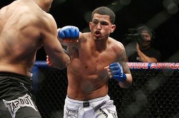 Anthony-pettis_display_image