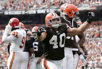 Cleveland Browns running back Peyton Hillis is currently available in 36.% of ESPN.com leagues.