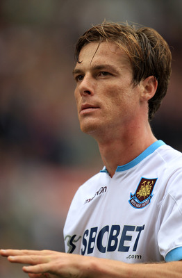 STOKE ON TRENT, ENGLAND - SEPTEMBER 18:  Scott Parker of West Ham United in action during the Barclays Premier League match between Stoke City and West Ham United at the Britannia Stadium on September 18, 2010 in Stoke on Trent, England.  (Photo by Mark T