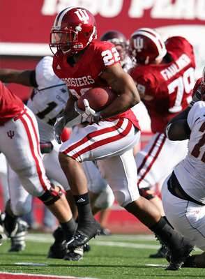 BLOOMINGTON, IN - NOVEMBER 01:  Demetrius McCray #22 of the Indiana Hooisers runs for a touchdown during the game against the Central Michigan Chippewas at Memorial Stadium on November 1, 2008 in Bloomington, Indiana.  (Photo by Andy Lyons/Getty Images)