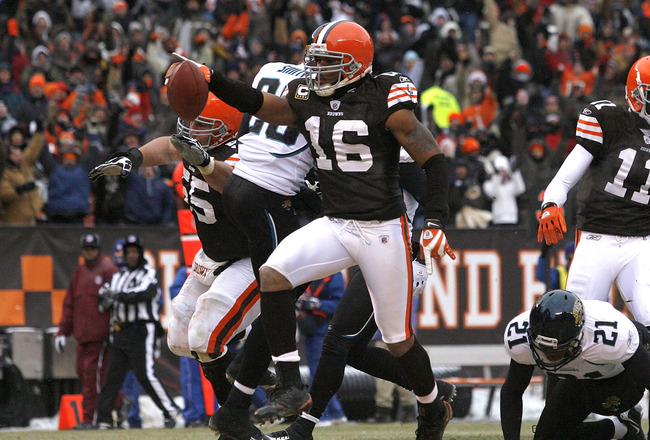 CLEVELAND - JANUARY 03:  Joshua Cribbs #16 of the Cleveland Browns celebrates after scoring a touchdown against the Jacksonville Jaguars at Cleveland Browns Stadium on January 3, 2010 in Cleveland, Ohio.  (Photo by Matt Sullivan/Getty Images)