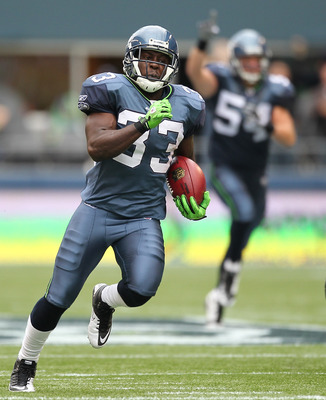 SEATTLE - SEPTEMBER 26:  Kick returner Leon Washington #33 of the Seattle Seahawks returns a kickoff for a 101 yard touchdown in the third quarter against the San Diego Chargers at Qwest Field on September 26, 2010 in Seattle, Washington. The Seahawks def