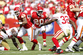 KANSAS CITY, MO - SEPTEMBER 26: Thomas Jones #20 of the Kansas City Chiefs runs the ball against the San Francisco 49ers at Arrowhead Stadium on September 26, 2010 in Kansas City, Missouri. The Chiefs won 31-10. (Photo by Joe Robbins/Getty Images)