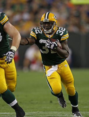 GREEN BAY, WI - AUGUST 26: Brandon Jackson #32 of the Green Bay Packers runs against the Indianapolis Colts during a preseason game at Lambeau Field on August 26, 2010 in Green Bay, Wisconsin. The Packers defeated the Colts 59-24.  (Photo by Jonathan Dani