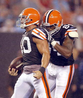 CLEVELAND - AUGUST 21:  Peyton Hillis #40 of the Cleveland Browns celebrates with Robert Royal #84 after a run against the St. Louis Rams at Cleveland Browns Stadium on August 21, 2010 in Cleveland, Ohio.  (Photo by Matt Sullivan/Getty Images)