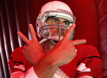 GLENDALE, AZ - SEPTEMBER 26:  Quarterback Derek Anderson #3 of the Arizona Cardinals prepares to run out onto the field before the NFL game against the Oakland Raiders at the University of Phoenix Stadium on September 26, 2010 in Glendale, Arizona.  The C