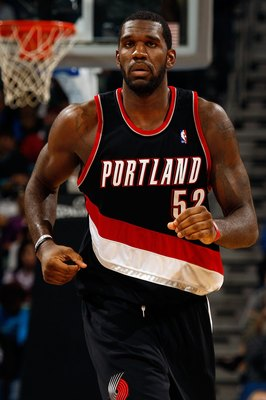 NEW ORLEANS - NOVEMBER 13:  Greg Oden #52 of the Portland Trail Blazers runs down the court against the New Orleans Hornets at the New Orleans Arena on November 13, 2009 in New Orleans, Louisiana.  NOTE TO USER: User expressly acknowledges and agrees that