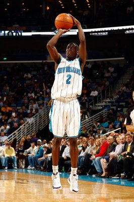 NEW ORLEANS - MARCH 22:  Darren Collison #2 of the New Orleans Hornets shoots the ball during the game against the Dallas Mavericks at the New Orleans Arena on March 22, 2010 in New Orleans, Louisiana.  NOTE TO USER: User expressly acknowledges and agrees