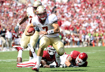 NORMAN, OK - SEPTEMBER 11:  Quarterback Christian Ponder #7 of the Florida State Seminoles runs the ball against the Oklahoma Sooners at Gaylord Family Oklahoma Memorial Stadium on September 11, 2010 in Norman, Oklahoma.  (Photo by Ronald Martinez/Getty I