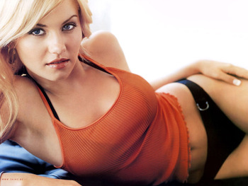 Elisha-cuthbert-diet-and-exercise_display_image